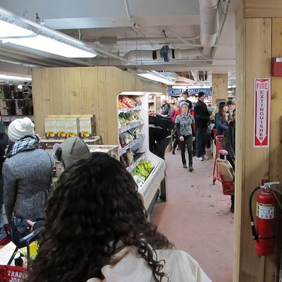 IMG_1862 - Version 22011-01-23-BostonZest-stocking-for- storm