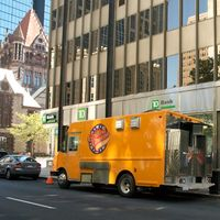 DSC_9846 - Version 22011-07-30- copley -square-food-truck-pod-dining-spots-© 2011 Penny Cherubino