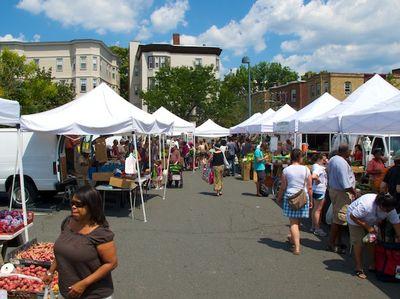 IMG_0806 - Version 22011-08-01-central-square Farmers-market-© 2011 Penny & Ed Cherubino www-Bostonzest-com© 2011 Penny Cherubino