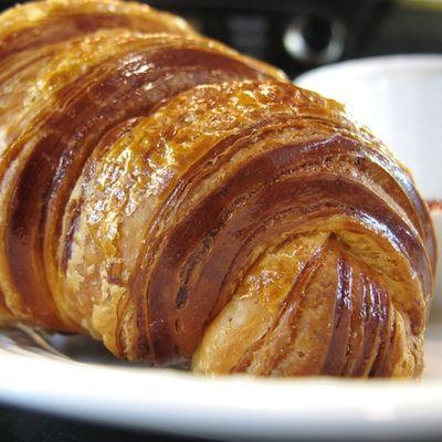 IMG_2790 - Version 22011-10-01-pb boulangerie-wellfleet-croissant-© 2011 Penny Cherubino