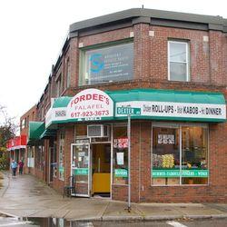 IMG_3124 - Version 22011-10-14-fordees-falafel-plate-watertown-ma-© 2011 Penny Cherubino