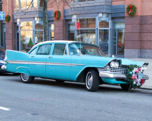 IMG_4292 - Version 22011-12-13-1959-plymouth-belvedere-blue-christmas-wreath-© 2011 Penny Cherubino
