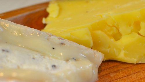 DSC_2909 - Version 22011-12-31-champagne-food-tasting-cheese-bread-© 2011 Penny Cherubino