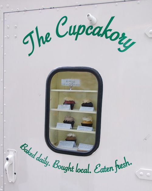 PMC_8121 - Version 22012-03-09-cupcakory-food-truck-cupcakes-boston-brooklilne-© 2011 Penny Cherubino