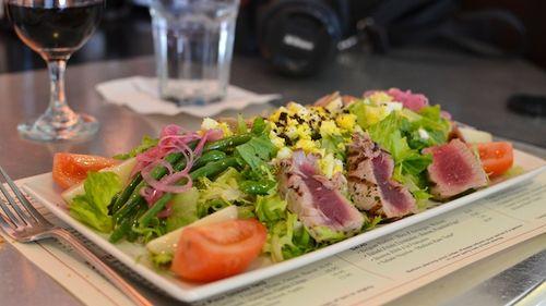 DSC_3615 - Version 22012-04-13-salad-Salade Niçoise-Medium Rare Tuna- boston-brasserie-jo-© 2011 Penny Cherubino