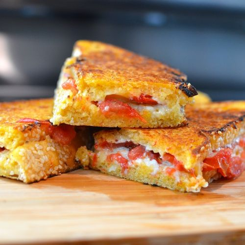 DSC_7327 - Version 22012-08-09-grilled-cheese-when-pigs-fly-hummus-bread-© 2011 Penny Cherubino