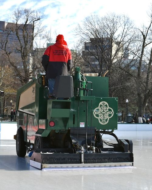 DSC_1510 - Version 22013-01-01-atd-what is this- answer-zamboni-frog-pond-boston-common-© 2011 Penny Cherubino
