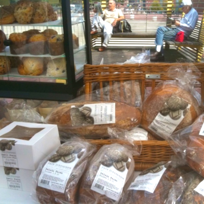 Photo - Version 22012-10-15-pain-d'avignon-bread-city-hall-farmers-market-© 2011 Penny Cherubino