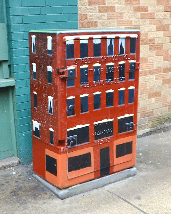CHE_1489 - Version 22013-01-30-utility-box-apartments- salem-street-north-end-© 2011 Penny Cherubino