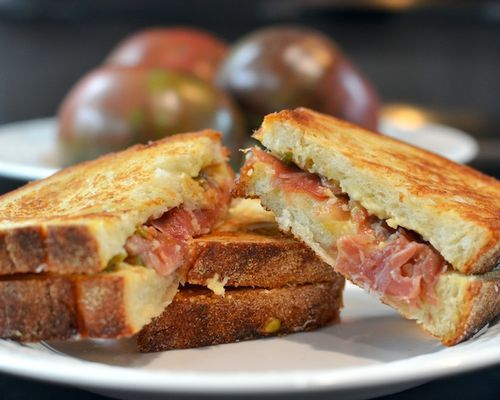 DSC_9369 - Version 22012-10-15-pain-d'avignon-cheese-bread-grilled-serrano-ham-tomatoe-© 2011 Penny Cherubino (1)