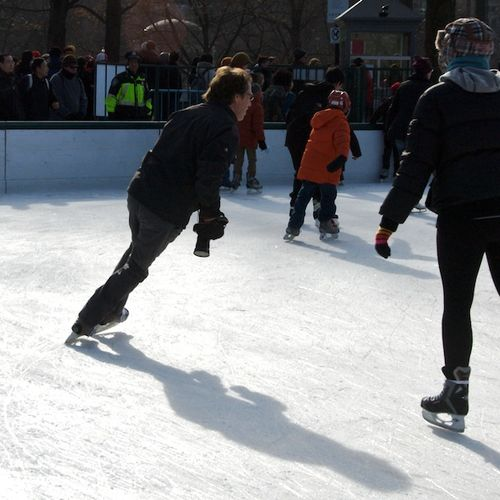 PMC_8135 - Version 22012-12-26-frog-pond-boston-common-skating-© 2011 Penny Cherubino