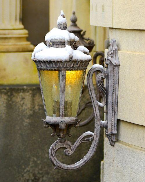 CHE_0154 - Version 22012-12-30-lantern-boston-back-bay-architectural-detail-© 2011 Penny Cherubino
