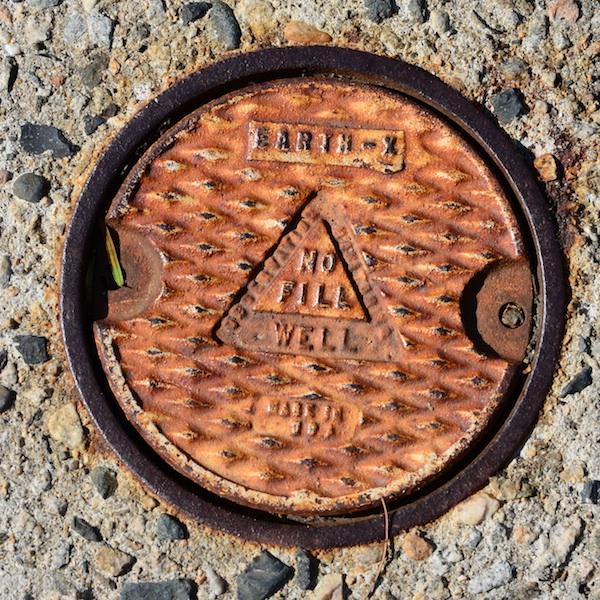 CHE_6638 - Version 22013-04-29-groundwater well-© 2011 Penny Cherubino