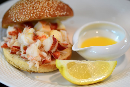CHE_7498 - Version 22013-05-27-lobster-rolls-no-mayo-RI-CT-style-© 2011 Penny Cherubino