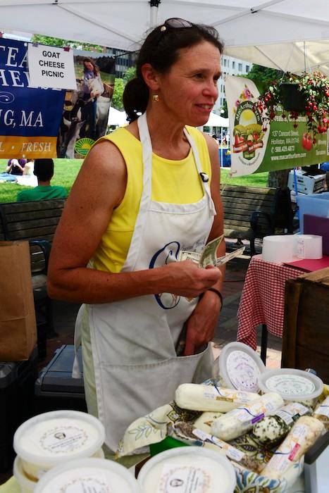 CHE_8182 - Version 22013-06-21-crystal-brook-farm-goat-cheese- © 2011 Penny Cherubino