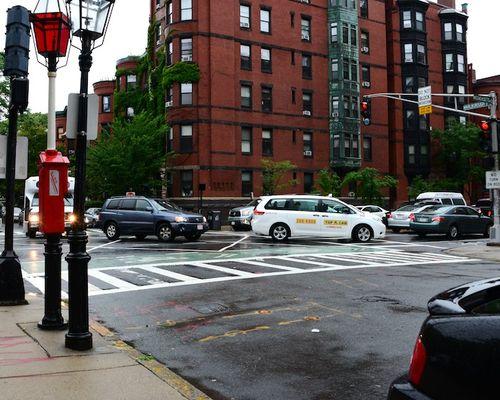 CHE_8812 - Version 22013-08-09-cars-gridlick-blocking-intersection-boston-© 2011 Penny Cherubino