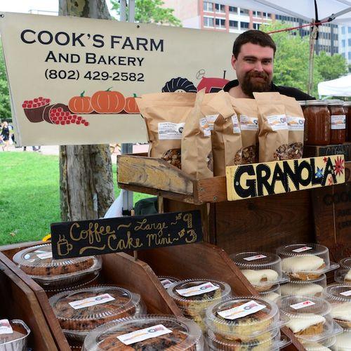 CHE_9571 - Version 22013-08-27-granola-cooks-farm-orchards-© 2011 Penny Cherubino