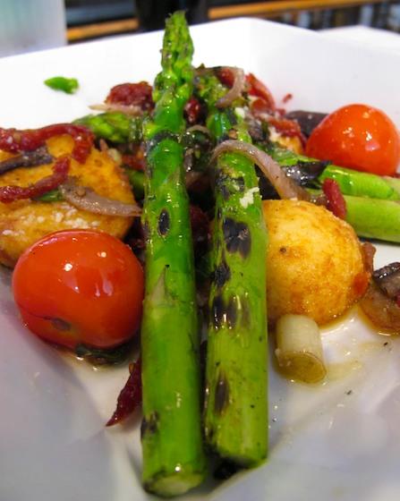 IMG_6357 - Version 22013-06-01-woody's-Grill-Tap-Boston-asparagus-polenta-© 2011 Penny Cherubino