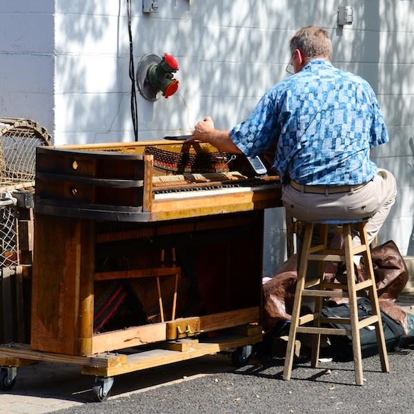 CHE_9834 - Version 22013-09-09Sidewalk-piano-tuner-provincetown-© 2011 Penny Cherubino