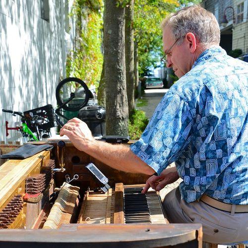 CHE_9852 - Version 22013-09-09Sidewalk-piano-tuner-provincetown-© 2011 Penny Cherubino