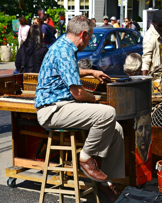 CHE_9842 - Version 22013-09-09Sidewalk-piano-tuner-provincetown-© 2011 Penny Cherubino