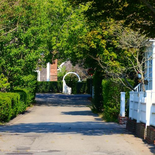 CHE_0043 - Version 22013-09-11-provincetown-cozy-lane-white-gate-© 2011 Penny Cherubino