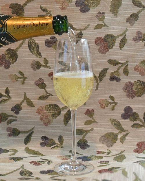 DSC_8701 - Version 22013-09-26-Canard-Duchêne-brut-champagne-© 2011 Penny Cherubino