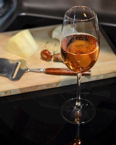 DSC_0614 - Version 22013-12-31-Paul-bara-grand-rose-bouzy-brut-champagne-© 2011 Penny Cherubino