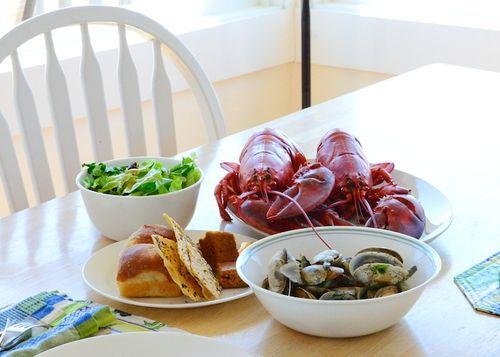 PC2_2997 - Version 42014-04-24provincetown, lobster, steamers, bread, salad,© 2011 Penny Cherubino