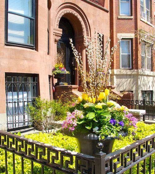 IMG_7391 - Version 22014-05-02-back-bay-boston-brownstone-flowers-garden-© 2011 Penny Cherubino