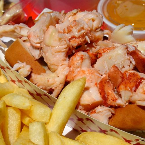 The lobster pool in rockport provides a great lobster roll or lobster