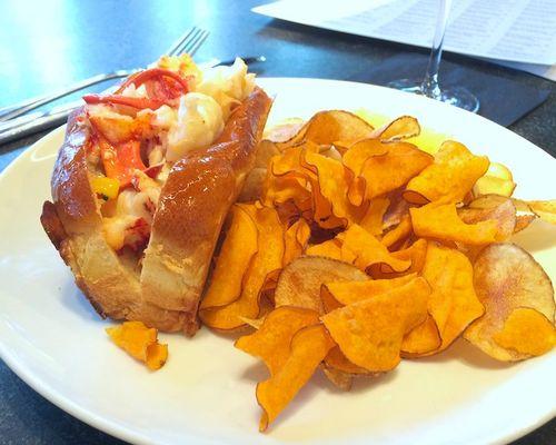 IMG_0179 - Version 22014-02-25-row 34-lobster-roll-chips-© 2011 Penny Cherubino