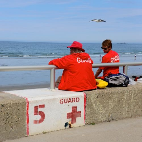 CHE_3885 - Version 22014-07-24-nantasket-beach-hull-ma-lifeguards-seagull-© 2011 Penny Cherubino