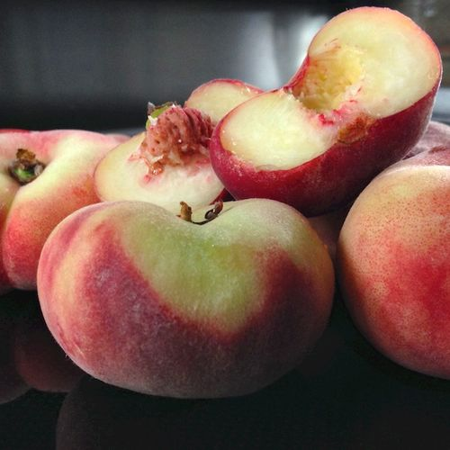 IMG_0912 - Version 22014-08-23-saturn-peaches-foppama's-farm-ripe-© 2011 Penny Cherubino