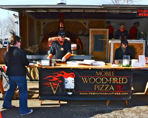 PC2_1907 - Version 22014-02-01-Vesta-Mobile-woodfired-pizza-Wayland-winter-farmers-market-russell's-garden-center-massachusetts-© 2011 Penny Cherubino