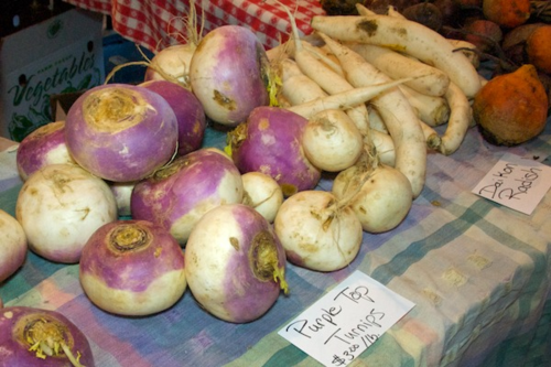 20110123-134038-market-scene-Somerville-MA-purple-top-turnips