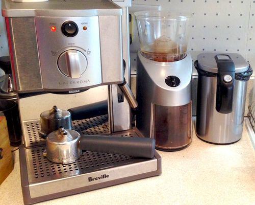 Photo - Version 22014-11-29breville-espresso-coffee-grinder-waste can-© 2014 Penny Cherubino (1)
