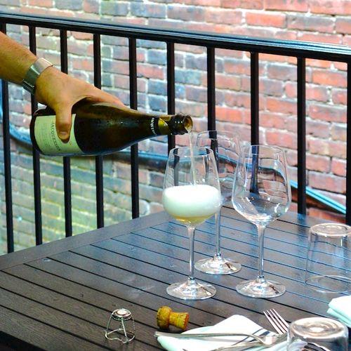 CHE_7704 - Version 22015-05-27-jacquesson-champagne-select-oyster-bar-patio-© 2014 Penny Cherubino