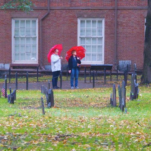 IMG_8776 - Version 22015-10-13Old-granary-burial-ground-rain-toursits-boston-© 2014 Penny Cherubino