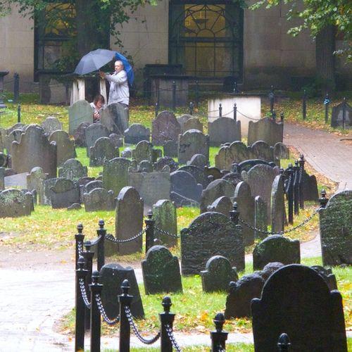 IMG_8771 - Version 22015-10-13Old-granary-burial-ground-rain-toursits-boston-© 2014 Penny Cherubino