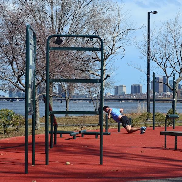 CHE_9836 - Version 22016-02-25Esplande-parcourse-fitness-free-public-© 2014 Penny Cherubino
